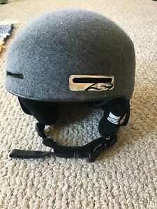 Smith ski/snowboard helmet