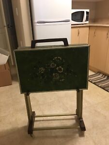Retro TV trays with stand
