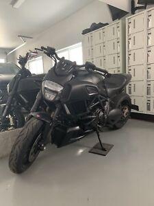 Ducati Diavel Dark 2016