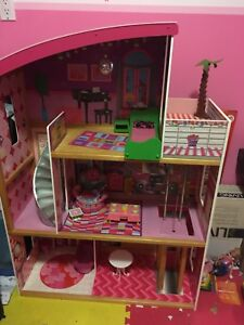 Kidcraft Barbie Dollhouse