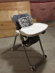 EUC Fold Up Graco Highchair