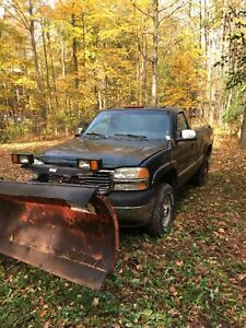 2003 GMC 2500 with WesternPlow . No reverse
