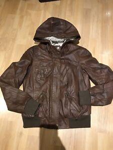 Manteau femme ou fille small et medium