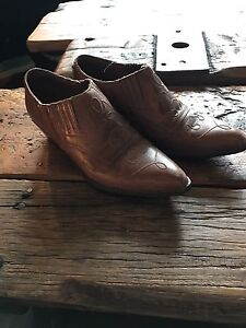 Woman's size 6.5 leather ankle boots
