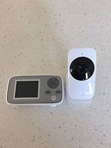 "Motorola 2.4"" Video Baby Monitor with Night Display"