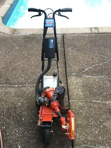 Tanaka TLE 600 professional gas lawn edger in excellent shape
