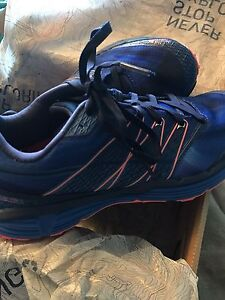 The North Face Running Shoes 7.5