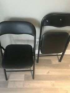 2 cars table chairs