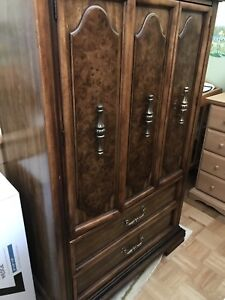 ANTIQUE SOLID WOOD BEDROOM SET