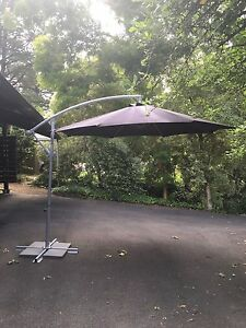 Cantilever outdoor umbrella Aldgate Adelaide Hills Preview