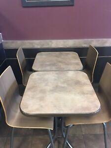 Lots de tables et chaises