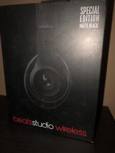 Wireless beats studios
