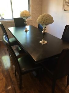 Beautiful and rich full dining room set