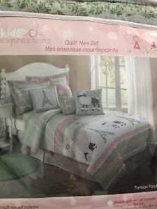 Brand new Paris themed quilt for girls bedroom