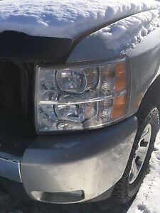 Left front headlight  Peterborough Peterborough Area image 2