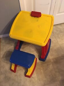 Kid draw table and chair