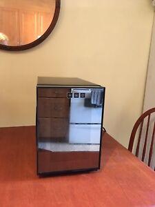Mini wine cooler 6 btl