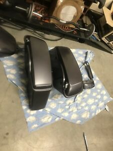 2014+ Harley touring saddlebags/gender facia