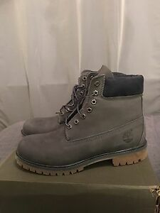 Timberland 6 Inch Classic Boots (Size 11) Brand New!!