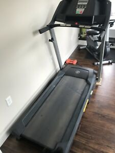 The Golds Gym Trainer 410 Treadmill