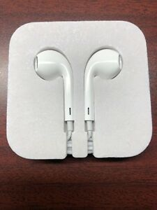 New Apple earbuds, never used