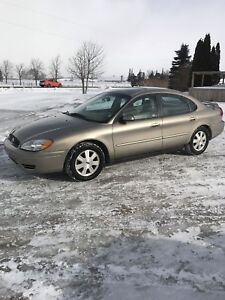 REDUCED. 2005 Ford Taurus SEL