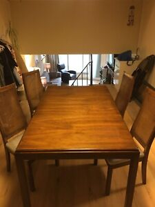 Solid Oak - Dining room set!