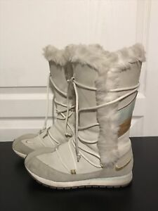 Nike AGC Womens Greyish White Winter Snow Boots 8 Suede Faux Fur