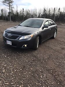 2011 TOYOTA CAMRY/V6/ 134,000 KLMS/EXCELLENT CONDITION