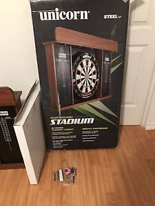 Brand New Dartboard Set