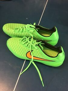 Outdoor Soccer Shoes Sz 6.5 New!