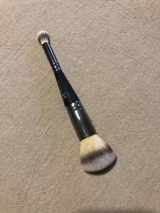 Pinceau maquillage (it cosmetics)
