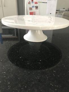 Pedestal cake stand  27cm wide x 8.5cm high. New bone china