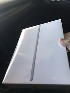 ** BNIB iPad 2018 32GB**