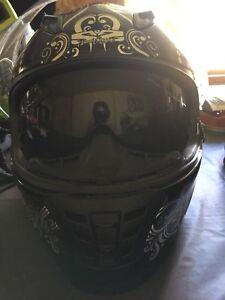 Woman's motorcycle helmet