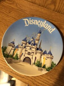Collectable plate- Disneyland
