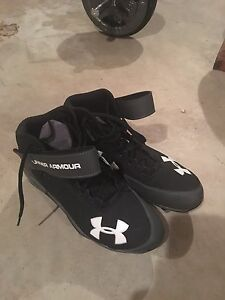 Underarmour football cleat