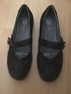 Ladies Shoes Homy Ped   New 5.5
