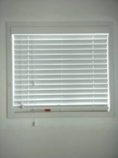 Venetian Blinds + Installation
