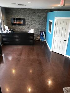 Room Rental for Nails in multi business building