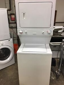 Perfectly working laundry center 647 236 8571
