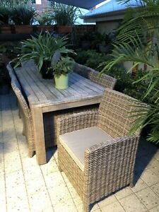 Outdoor Dining Suite