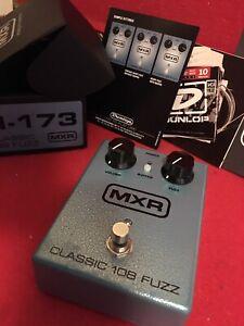 Mxr classic 108 fuzz effects pedal