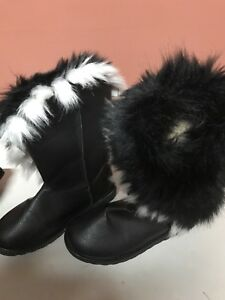 womans size 6 boots with fur!!!NEW!!!