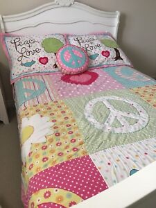 Peace and Love Bedding (Full/Double)