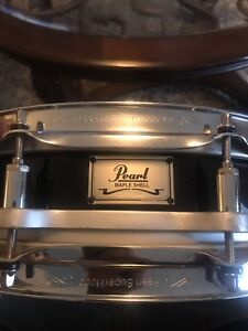 Pearl maple series snare drum