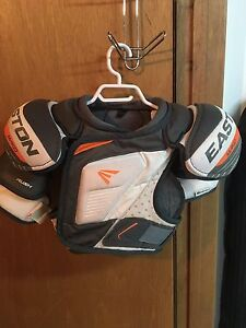 Hockey shoulder pads/chest protector
