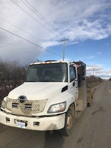 2007 Hino with Deck and picker for sale or trade for river boat
