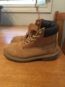 Kids Timberlin's size 4