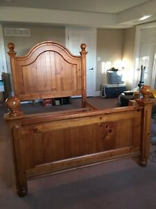 Headboard, Footboard and Rails - Queen Size